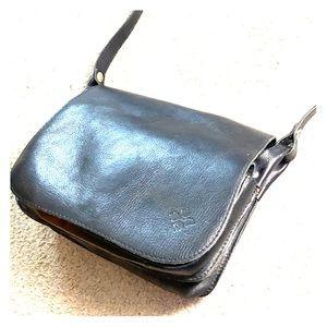 💕 Patricia Nash black Italian leather saddle bag